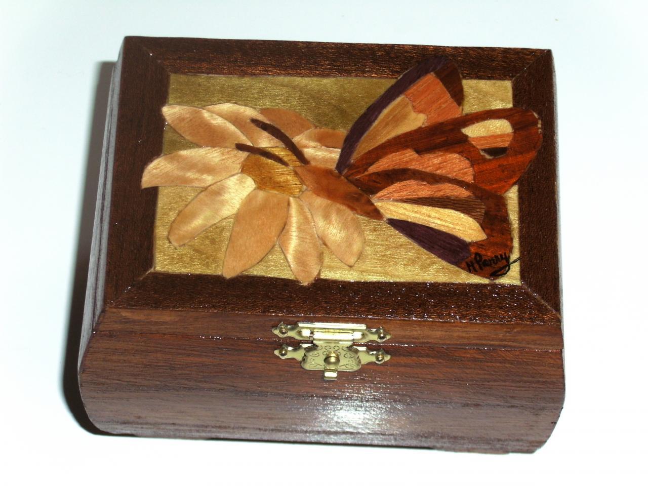 Coffret Le papillon sur la marguerite